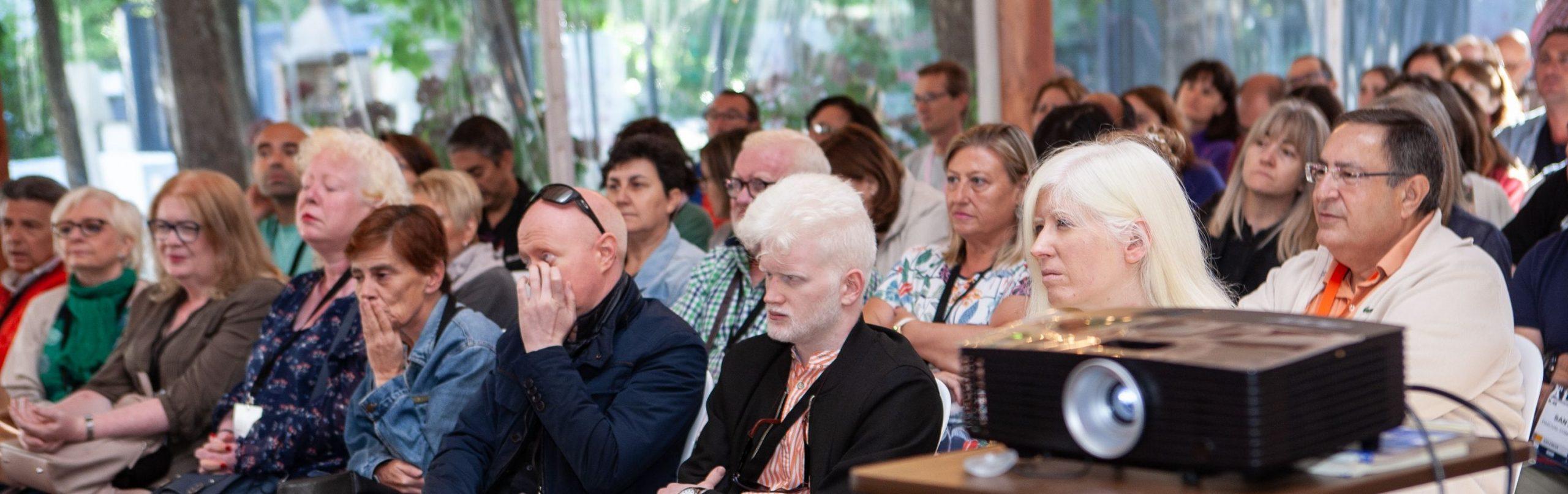 Proyectando presentaciones durante las XII Jornadas ALBA